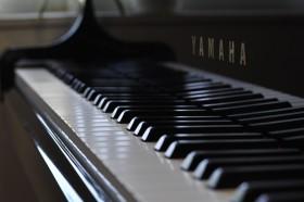 ピアノ76_l
